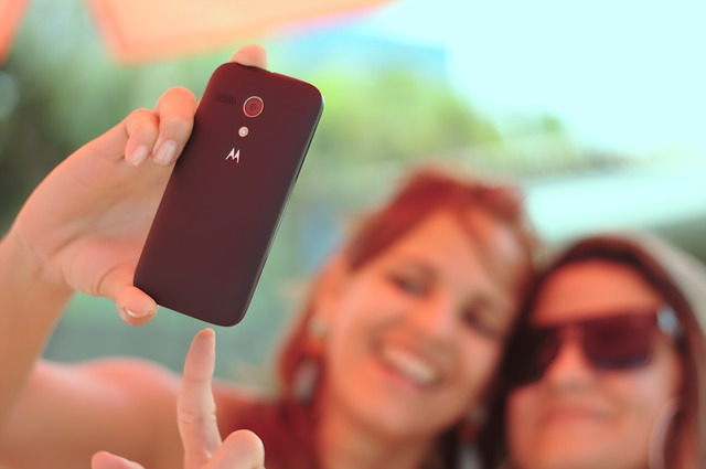 Scientists Link Selfies To Narcissism, Addiction & Mental Illness1