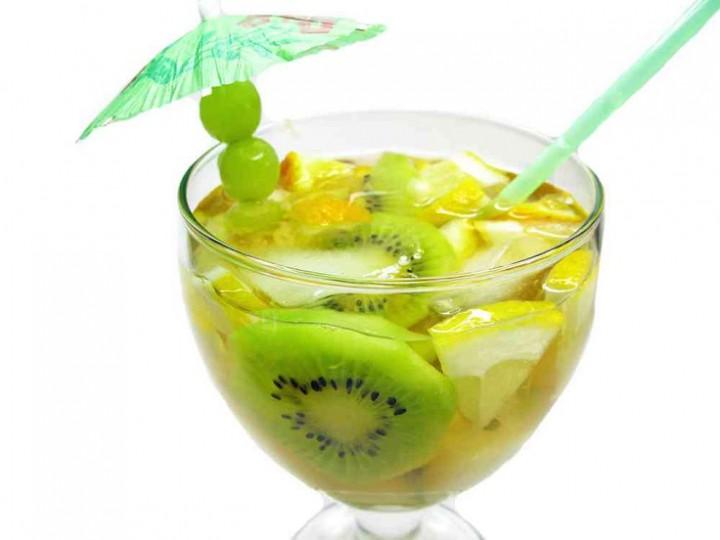 Pineapple-Kiwi-Water-720x540