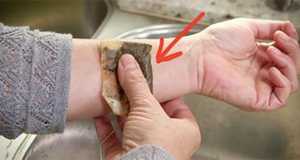 What Happens When You Place A Tea Bag On Your Skin (And 6 Other Amazing Things You Can Do)